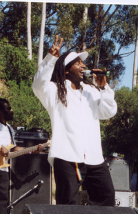 Pato Banton Featuring Ranking Roger Bubbling Hot